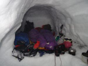 snow-cave-weekend-2016_4